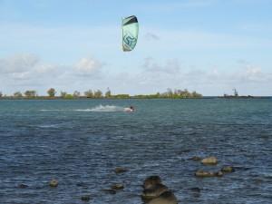 Du kite surf à Anse la Raie